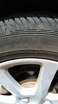 タイヤのひび割れ.jpg